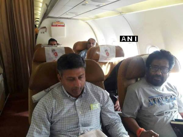 Shiv Sena MP Ravindra Gaikwad flies Air India(Hyderabad to Delhi) for the first time since assaulting an AI staff member last month.