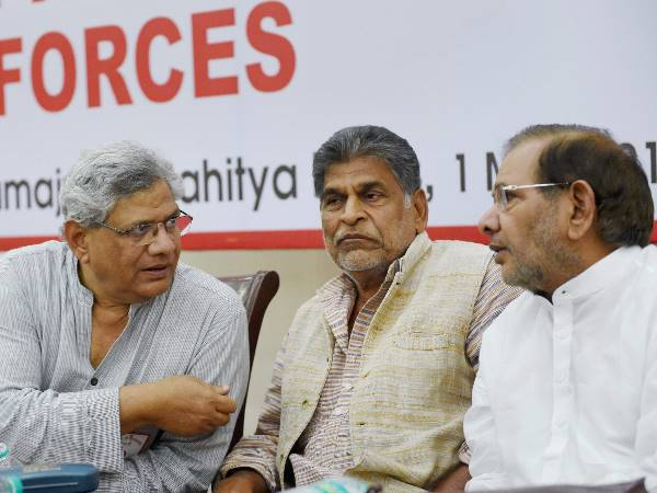 <strong>इसे भी पढ़ें:- राष्ट्रपति चुनाव 2017: बीजेपी को रोकने के लिए विपक्ष का बड़ा दांव, 9 सियासी दलों ने मिलाया हाथ</strong>