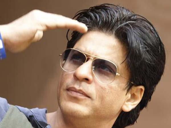 Mobile and purse stolen in Shah Rukh Khan's Birthday Party