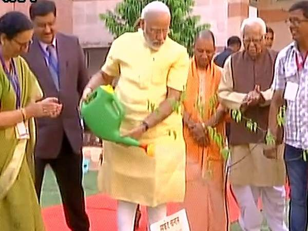 PM Modi arrives in Lucknow, inaugurated new campus of CDRI.