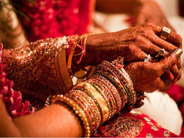 यूपी में अब शादी नहीं गुड्डा-गुड़िया का खेल, ये करना ही पड़ेगा   During  Marriage Yogi Government do it Mandatory - Hindi Oneindia