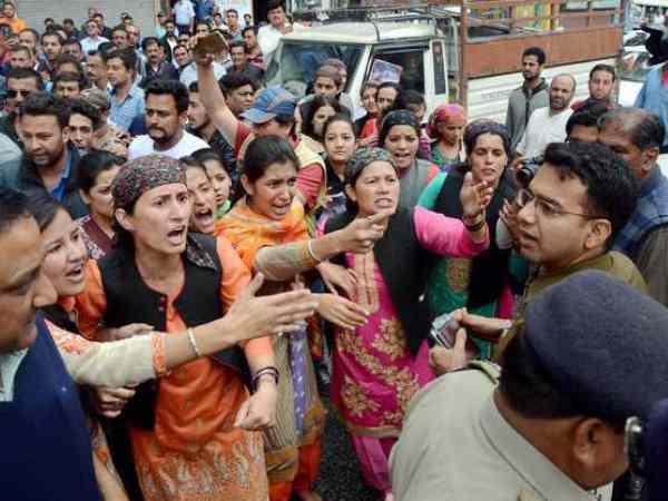 Image result for हिमाचल प्रदेश: लोगों को रेस्क्यू करने गए डीसी खुद हुए लापता