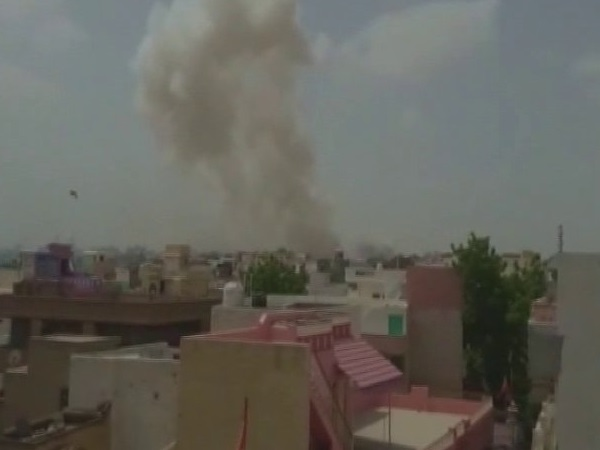 Rajasthan: 5 people died in an explosion in a firecracker factory in Bikaner.