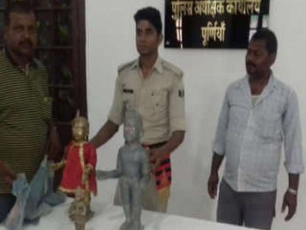 People trying for God to escape idol from police Custody