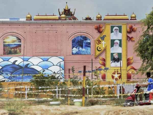 डेरे में मिली खुफिया सुरंग, राम रहीम के कमरे से साध्वी निवास में खुलता है रास्ता
