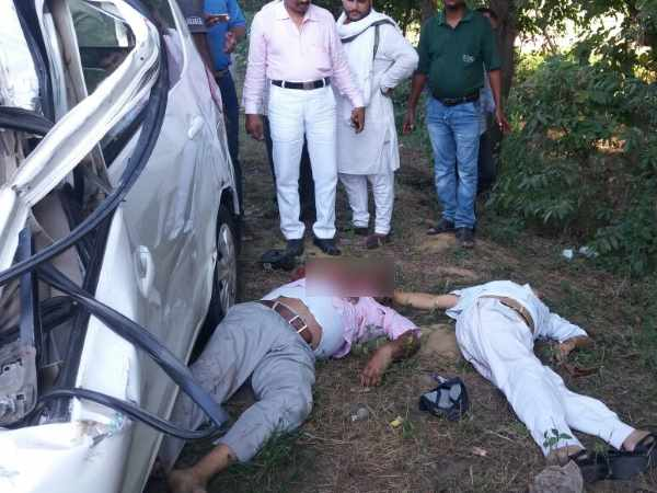 Four died including officer in road accident in Faizabad