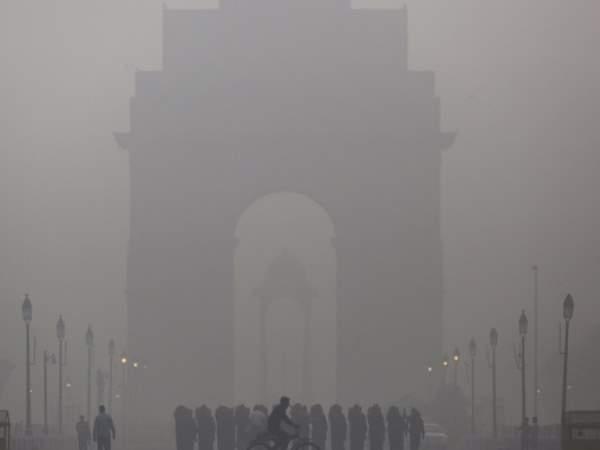 SC का बैन बेअसर, पटाखों से क्या फिर गैस चैंबर बनेगी दिल्ली?