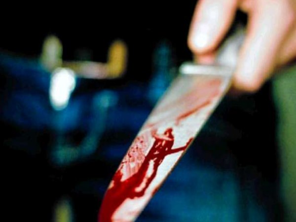pune student stabbed his 2 teachers