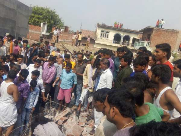 Buildings collapsed in blast, many trapped in Kanpur area