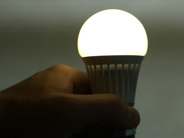 <strong>इसे भी पढ़ें:- LED बल्ब का इस्तेमाल करने वाले हो जाएं सावधान, सामने आया चौंकाने वाला खुलासा</strong>