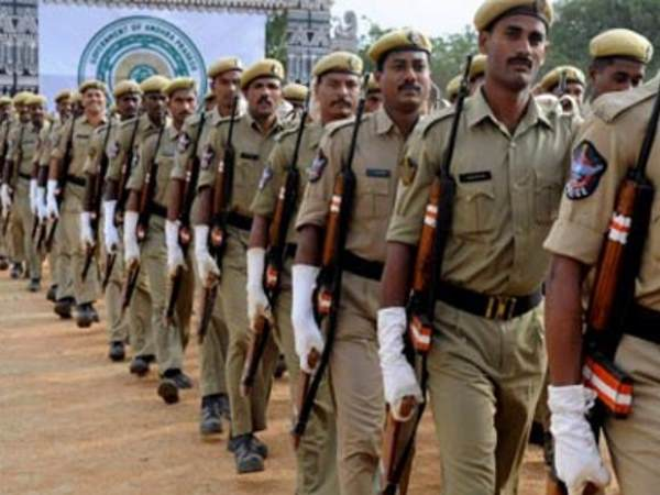 Job oppurtunity in up police, qualification 12th pass