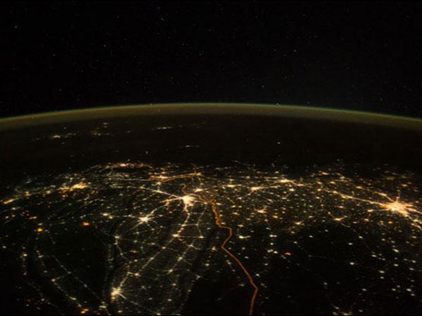 दिवाली पर अंतरिक्ष से कुछ ऐसा दिख रहा था भारत...