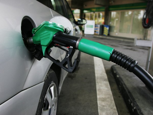 54000 petrol pumps across India to go on strike on 13th October
