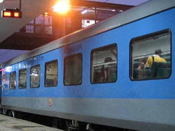 Now, Rajdhani, Shatabdi passengers to get SMS if train late by over an hour