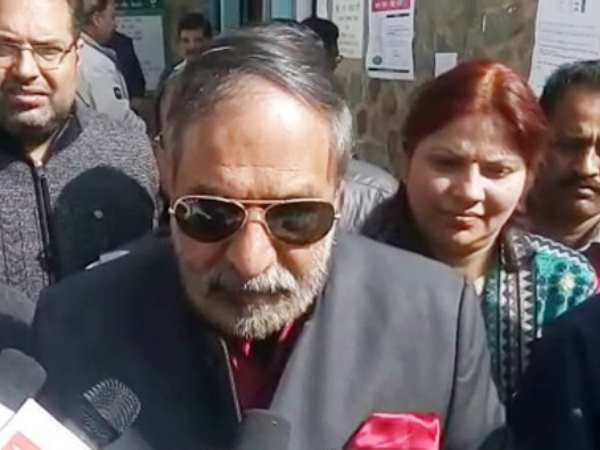 Congress leader Anand Sharma voted in Shimla, attacked PM Narendra Modi