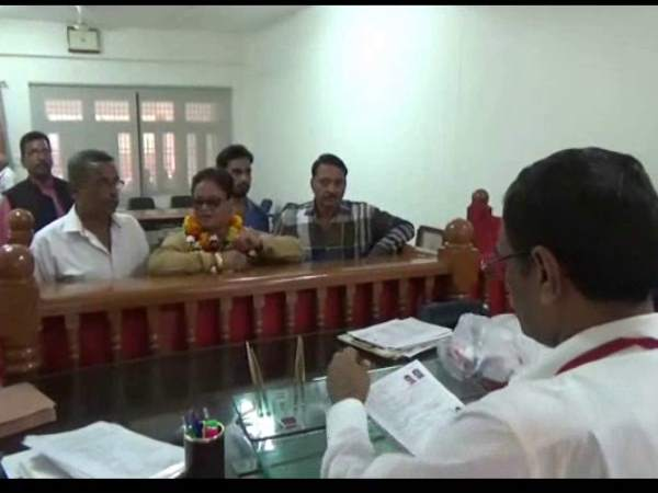 BJP female leader filed nomination against party candidate in Aligarh civic election