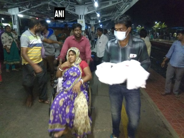Woman gave birth to a child at Nellore railway station in Andhra Pradesh