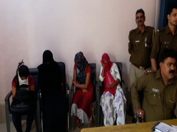 UP Police arrest girls, women and Prostitution brokers from Bulandshahr