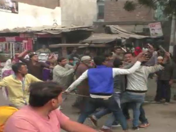 hapur Two groups bloody fight with each other