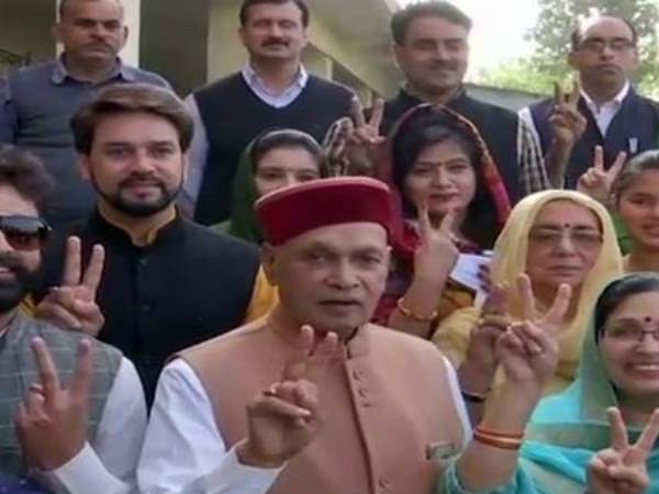 Virbhadra Singh and PK Dhumal voted in Himachal Pradesh election
