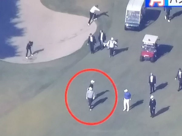 VIDEO: Japanese PM falls and gets back up like a Ninja while playing golf with Donald Trump