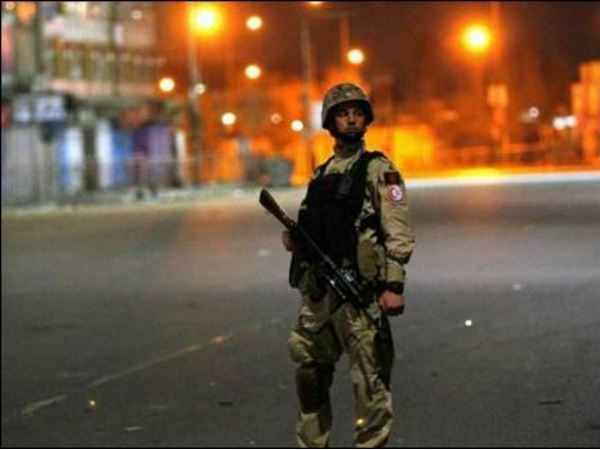 peshawar suicide attack deputy chief police and his guard dead in blast
