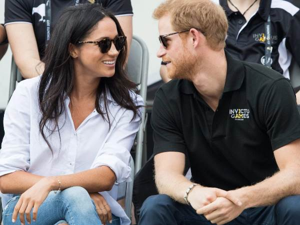 Prince Harry to marry Meghan Markle Couple announce engagement