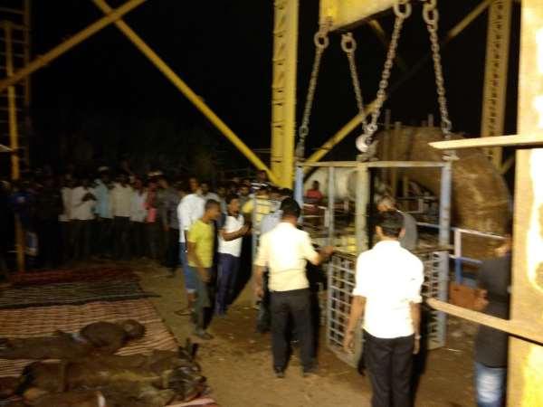 पुल निर्माण के दौरान पलट गई क्रेन, 9 मजदूरों की हुई दर्दनाक मौत