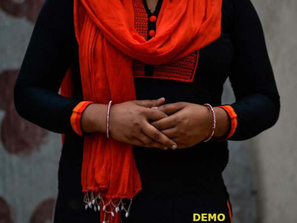 बेटे-बहू के प्राइवेट मोमेंट की फोटो खींच ससुर ने उसकी बहन से किया 8 महीनों तक बलात्कार