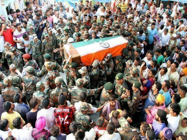 रक्षा और गृह मंत्रालय के शब्दकोश में शहीद जैसा कोई शब्द नहीं