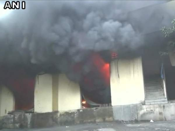 Maharashtra fire broke out 16 godowns in Sagar Compound Bhiwandi 50 people rescued