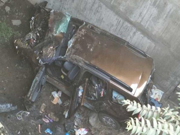 Two dead and five seriously injured in a Car Accident, Pune