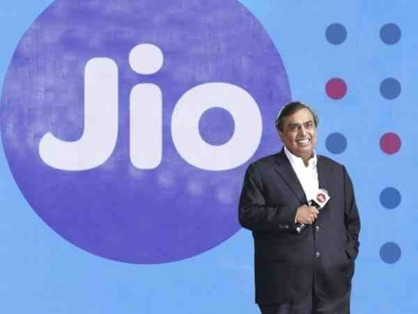 Reliance to invest Rs 3 lakh cr in Gujarat in next 10 years: Mukesh Ambani