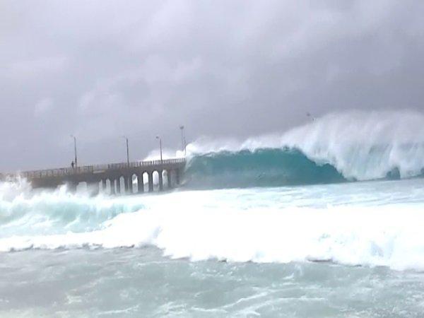 <strong>Read more: VIDEO: ओखी तूफान की देखिए झलक, सावधानियों से बचाइए जान-माल</strong>