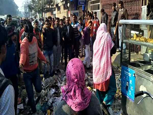 Punish for misbehave with women worker in Saharanpur