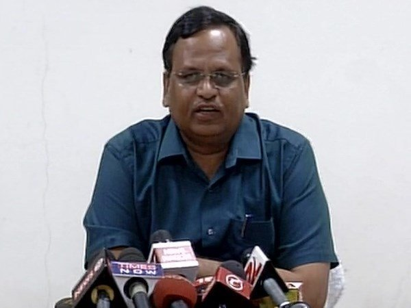 shalimar max hospital l license cancelled, delhi health minister