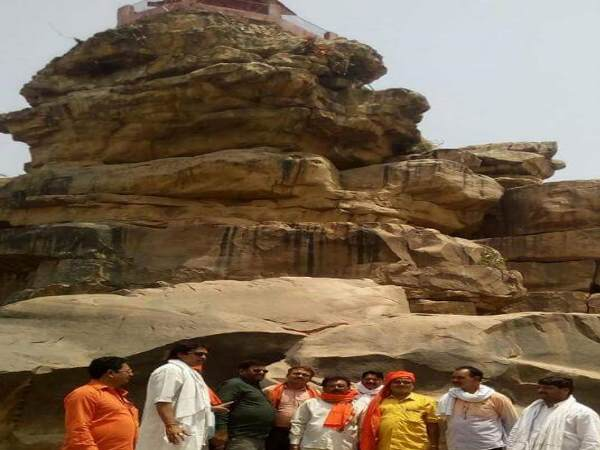 shivling stolen from sujawan temple allahabad