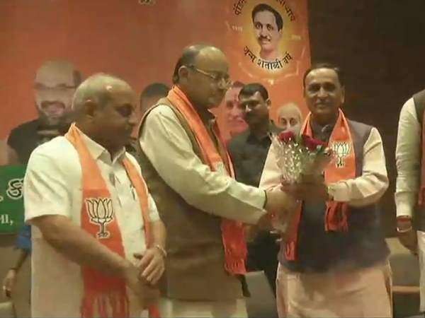 Vijay Rupani to be continue as CM of Gujarat