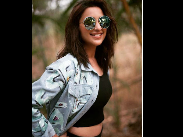 Parineeti Chopra's Stretch Marks Pic Is Winning The Internet