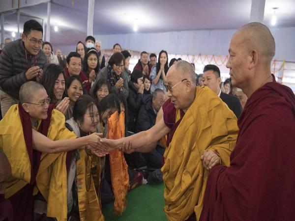 भारत आए तिब्बती लोगों को चीन ने वापस लौटने को कहा