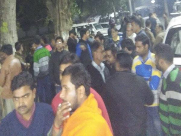 allahabad university students protest against vc procter resigned