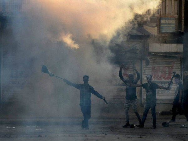 Setback for peace process as Army kills two J&K stone-pelters