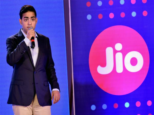 Reliance Jios Rs 199 post plan likely to trigger tariff war: Experts