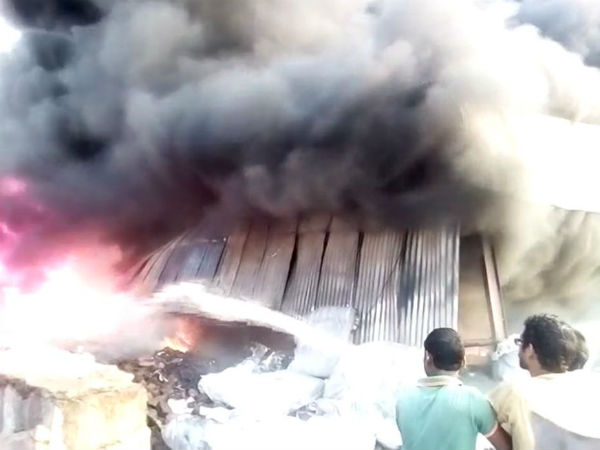 West Bengal: Fire broke out in a factory in Howrah's Alampur. 8 fire tenders present at the spot.