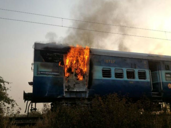 Fire in 13007 Up Udayan Abha Toofan Express, alert driver averts major mishap