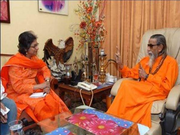 आस्मां जहांगीर और बाल साहब ठाकरे की मुलाकात