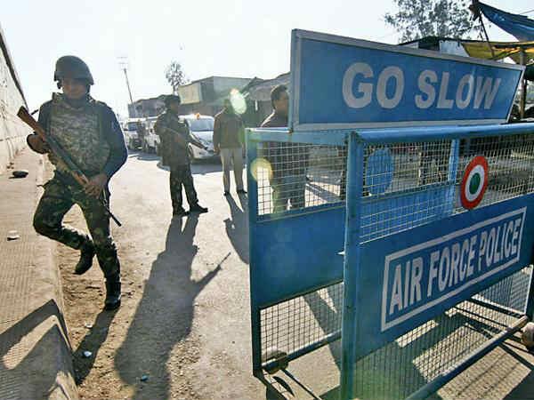 जम्मू कश्मीर: बडगाम एयरफोर्स स्टेशन में दाखिल हो रहे संदिग्ध को सुरक्षाबलों ने ढेर किया, बड़ा आतंकी हमला नाकाम !