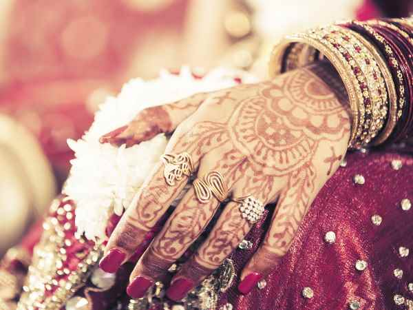 Bride beat groom with slipper in marriage ceremony in Bulandshahr