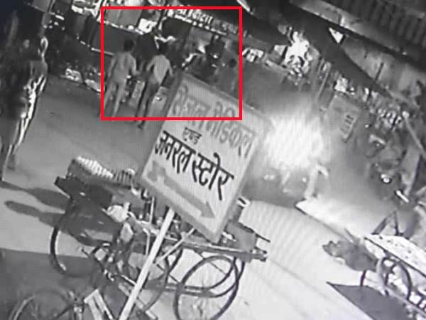 owner of the shop beat the beating in kanpur