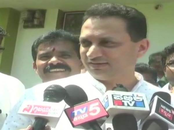 Union Minister Ananth Kumar Hegde Comments on congress president rahul gandhi temple visit karnataka assembly elections 2018